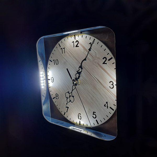 ساعت دیواری چراغ دار