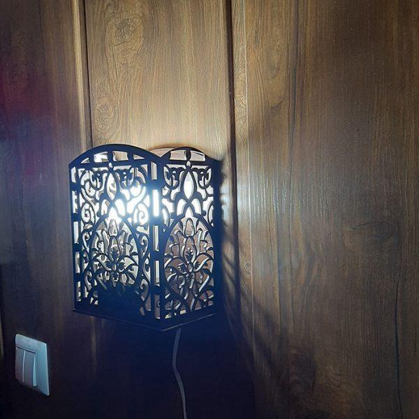 چراغ دیواری
